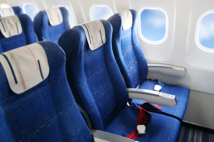 Sitzreihen in einem Flugzeug