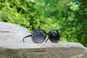 Die richtige Sonnenbrille ist im Urlaub wichtig copyright wikipedia.org/Ildar Sagdejev
